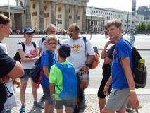 Und schon geht es weiter zum Brandenburger Tor.